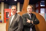 Landeslehrpreisträger 2015: Peter Nick (links) und Mathias Gutmann vom KIT (Bild: Manuel Balzer, KIT)