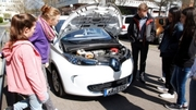 Whether study or education: On Girls' Day, KIT provides information on career prospects and on technologies such as electric cars. (Photo: Lydia Albrecht, KIT)