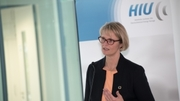 Research Minister Anja Karliczek informed herself about battery research in Ulm. Photo: Eberhardt/Uni Ulm