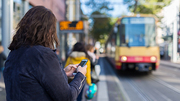 Apps are already used today to help travellers plan their public transport routes. (Photo: Robert Fuge, KIT)