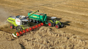 During a harvest day, there are periods of high as well as relatively low workload - an assistance system is now to help compensate for this (Photo: Claas KGaA mbH)