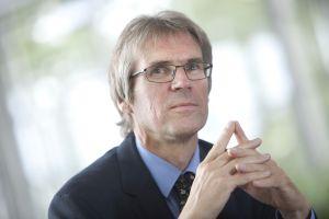 KIT-Präsident Professor <b>Holger Hanselka</b> (Foto: Andrea Fabry, KIT) - 2014_130_Holger_Hanselka_erhaelt_August_Woehler_Medaille_72dpi