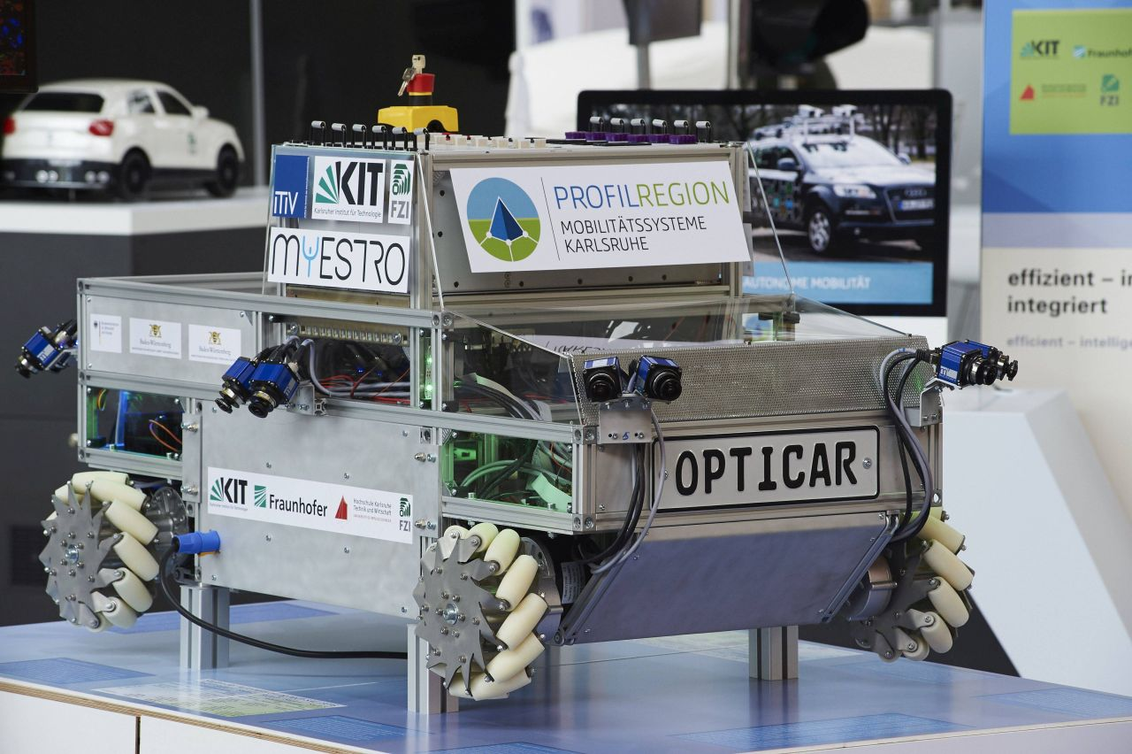 Autonomous and interconnected vehicles are an important element of new mobility schemes and studied using research platforms, such as OPTICAR. (Photo: A. Drollinger/KIT)