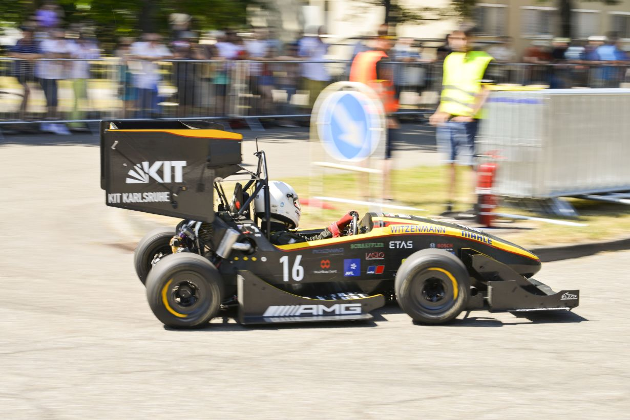 At the Open Day on Campus East KIT will show driving demonstrations such as by KA-RaceIng, the Formula Student Team at KIT. Picture: Robert Fuge, KIT