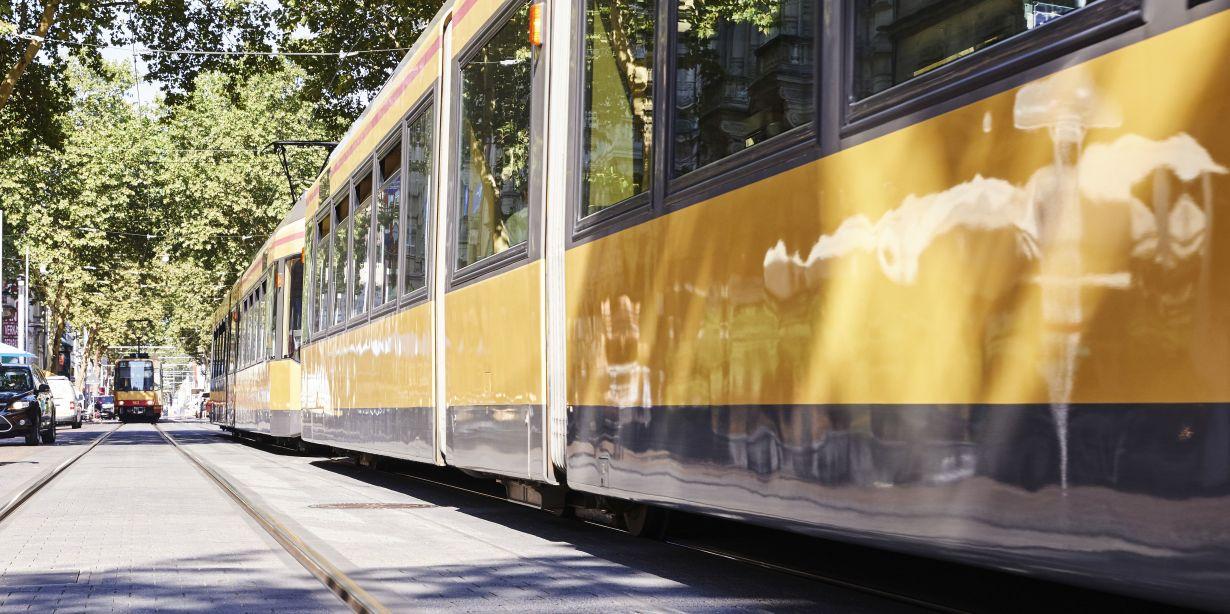 Technische und rechtliche Herausforderungen betrachtet das Projekt AStriD bei der Automatisierung von Straßenbahndepots. (Foto: Sandra Göttisheim, KIT)
