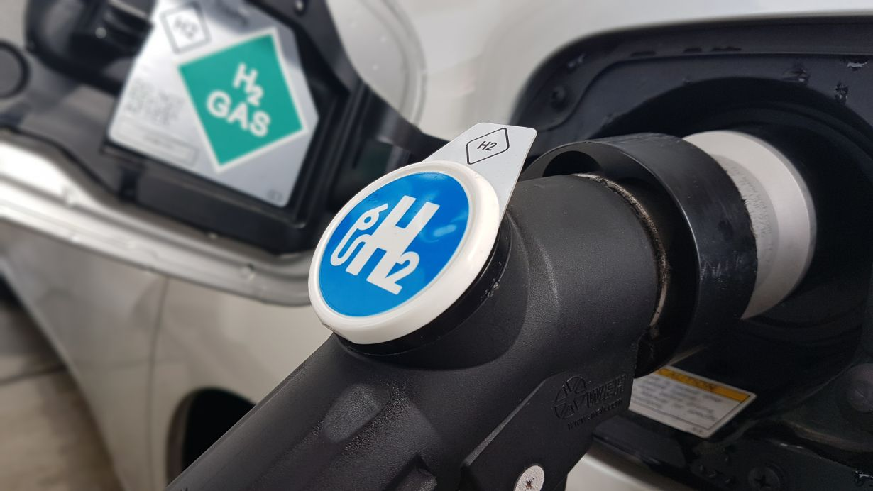 Energieträger Wasserstoff: Forschende des KIT wollen die Vorteile von Brennstoffzellen auch für schwere Nutzfahrzeuge erschließen. (Foto: wbk, KIT)